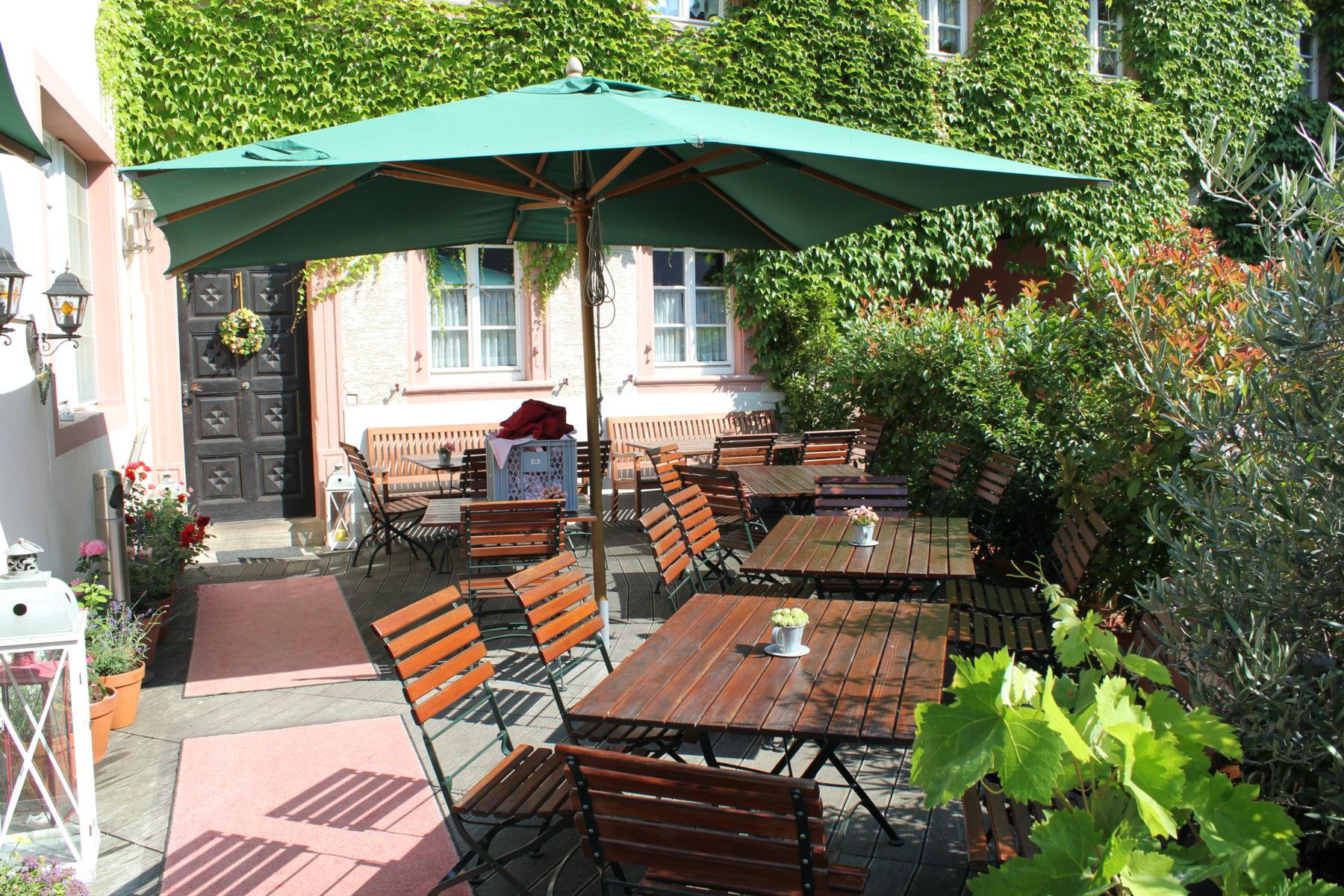 Restaurant-Terrasse Leininger Hof